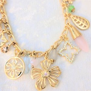 Gorgeous Gold Tone Flower Charm Bracelet Summer